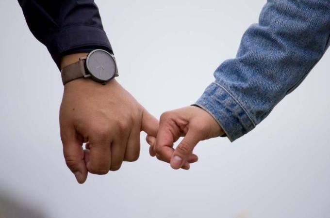 メール(LINE・カカオ)の目的は人妻とデートの約束をとりつけるためとアフターフォロー